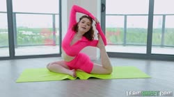 TheRealWorkout Annabel Redd Yogis Bang Better